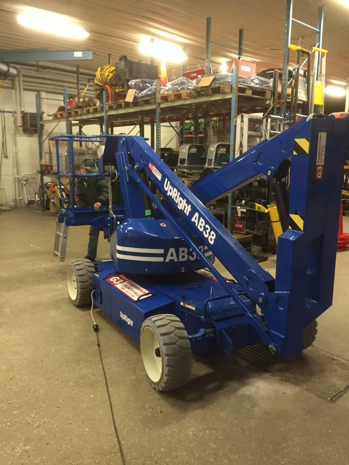 Eldriven bomlift Upright AB38